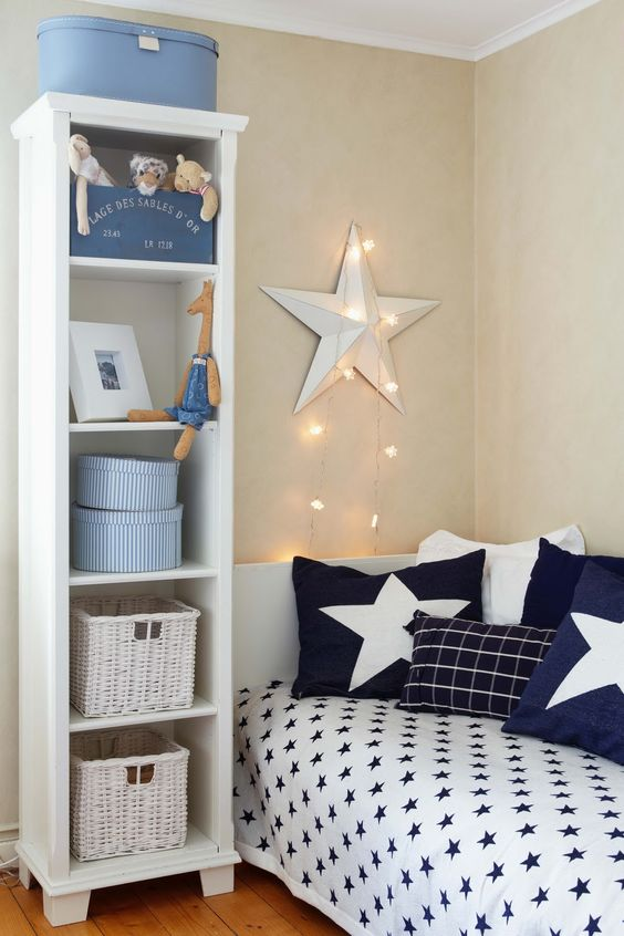 gus 39 s room has a star quilt and star fairy lights i just need to do star pillows home diy. Black Bedroom Furniture Sets. Home Design Ideas