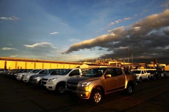 Canadauence TV: GM pode suspender contratos de mil trabalhadores n...