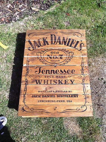 Details about coffee table reclaimed pallet jack daniels for Table jack daniels