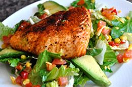Try this Santa Fe Salmon Salad for a light healthy dinner! Perfect for this time of year.
