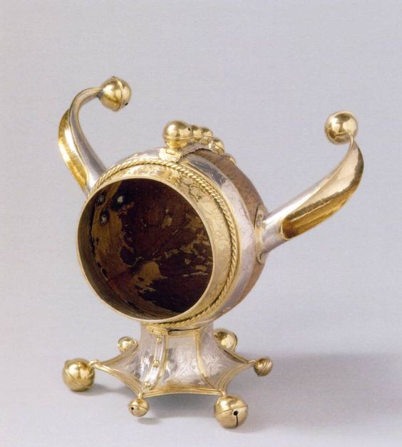 fool's head  coconut cup, setting: silver, partially gold-plated, height 18 cm , made in Zurich in 1556. Kunsthistorisches Museum, Vienna