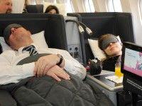 Bei Langstreckenflügen kommen Fluggäste häufig ins Grübeln: Lege ich viel Geld für die Business-Class auf den Tisch oder gebe ich mich mit dem wenigen Komfort der Economy-Class zufrieden. Inzwischen gibt es auch die gehobene Premium Economy-Class. Wir haben die drei Klassen für Sie getestet.  See more at: www.derwesten.de/reise/reicht-economy-oder-muss-es-business-class-im-flieger-sein-id9963437.html#plx1773155446