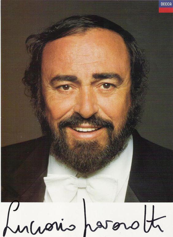 Luciano Pavarotti Nació El 12 De Octubre De 1935 En Módena Fue El único Hijo Varón Su Padre Era Cantantes De Opera La Mejor Musica Clasica Cantantes Famosos