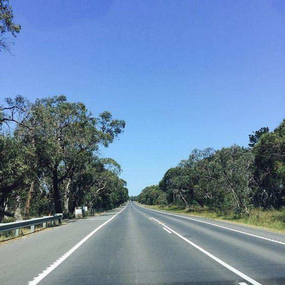 Heading to Great Ocean Road! #greatoceanroad #lorne #geelong #coupletrip #au #aussie #australia by queeniexlin