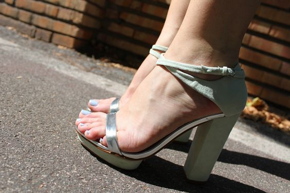 Zara high heels, pastel shoes, outfits, fashion, style,  www.daddysneatness.blogspot.com