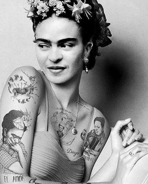 """Frida Íntima """"Vivo cada día con la esperanza de verte regresar… y cada noche sabiendo que no estás"""". #FridaKahlo…"""""""