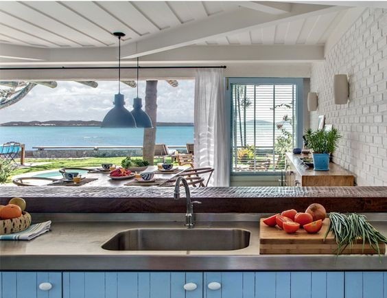 CASA TRES CHIC-Love the view from the kitchen