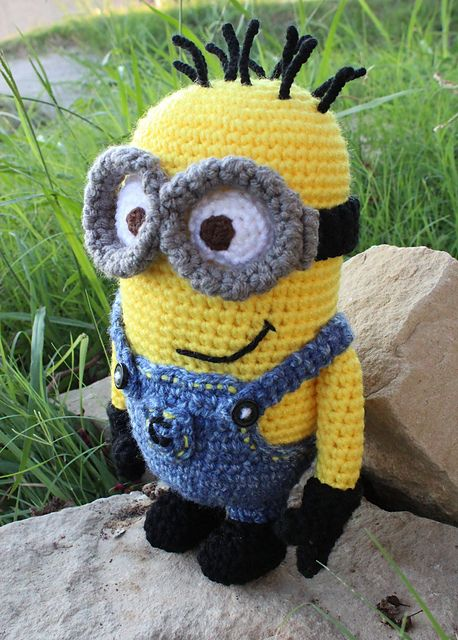 Free Crochet Pattern For Minion Eyes : Minion pattern, Despicable me and Minions on Pinterest