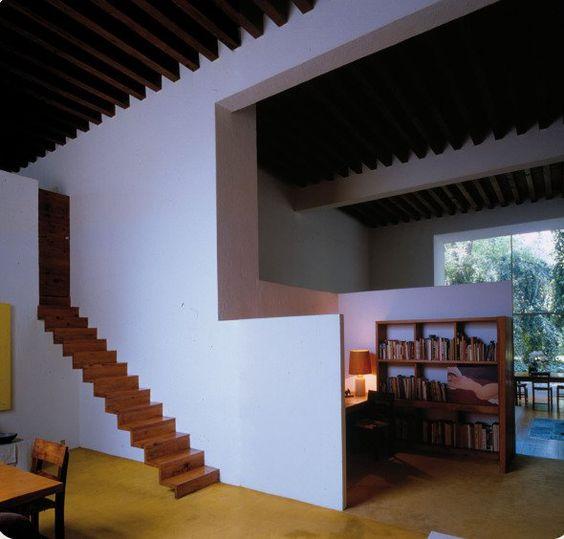 La vivienda del arquitecto siempre suscita un cierto interés puesto que se trata del proyecto más personal de su carrera y en el que se concederá la licencia de incluir todos sus deseos e inquietudes.