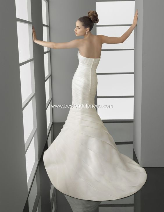 Aire Barcelona Wedding Dresses - Style Pelayo [Pelayo] : Wedding Dresses, Bridesmaid Dresses and Prom Dresses at BestBridalPrices.com