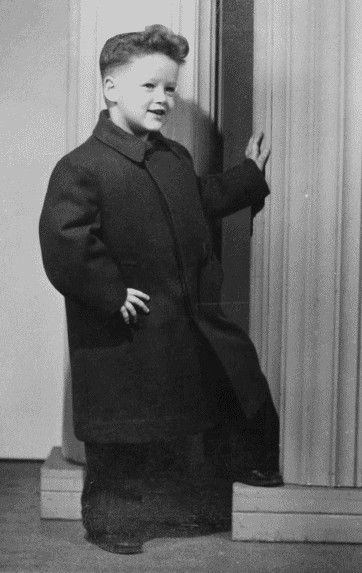 Happy birthday, Bill Clinton! Today the former President turns 69.  Here he is at the age of 4.