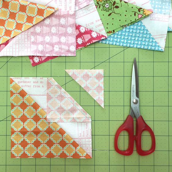 Bee In My Bonnet: My Flower Box Quilt Block Tutorial and Sew Along!!!