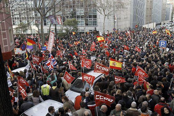 España. Miles de trabajadores de la aerolínea Iberia protestaron toda esta semana contra el el plan de reestructuración.