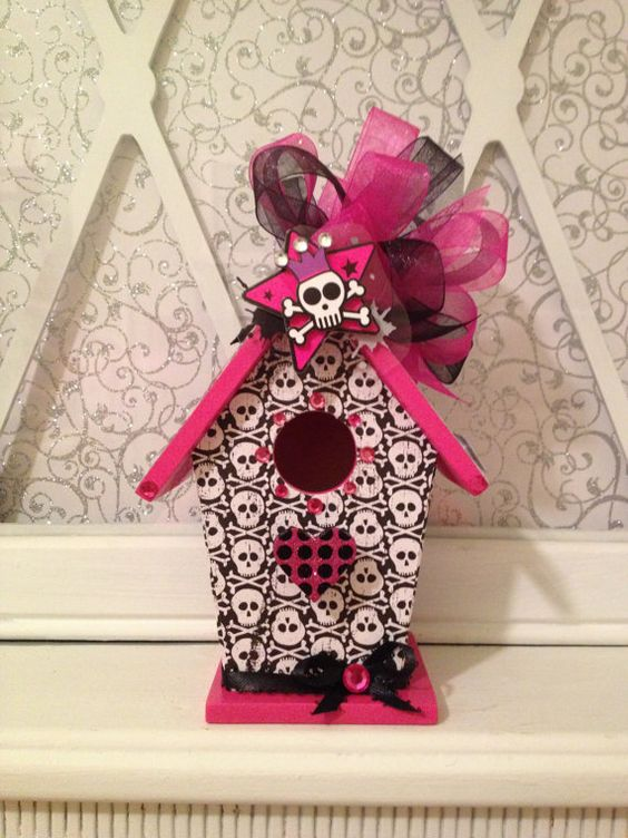 SKULL and CROSSBONES  Handmade Wood by BirdhouseGiftGallery, $15.00