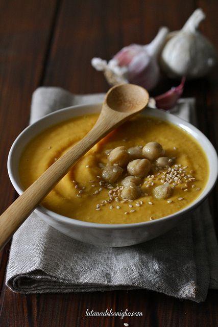 Crema di carote e ceci con cumino e sesamo  (Cream of Carrot and Chickpeas with Cumin and Sesame)