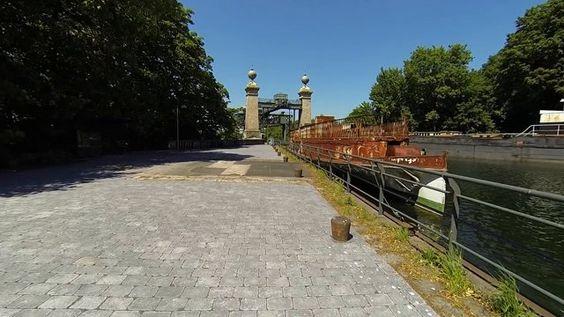 Schiffshebewerk Henrichenburg Erbaut: 1899 Geschlossen: 1969 Zum Museum: 1992 Bauart: Schwimmerhebewerk mit 5 Schwimmern Hubhöhe: 14m Trogabmessung: in Meter L/B/H - 68/8,6/2,5  Ein vollständiger Senk- oder Hebevorgang, einschließlich Ein- und Ausfahrt, dauerte nur etwa 45 Minuten. Der eigentliche Senk- oder Hebevorgang dauerte etwa 12,5 Minuten.  Das Hebewerk war in der Lage, den damals üblichen Dortmund-Ems-Kanal-Normalkahn von 67 Metern Länge, 8,2 Metern Breite und 2 Metern Tiefgang…