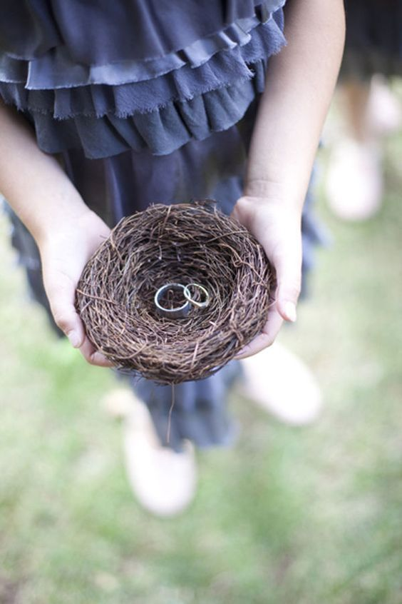 cute way to carry the wedding rings..