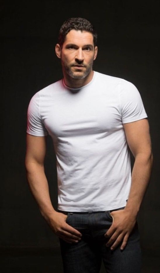 Pin By Ryan Hughes Bixler On Lucifer Tom Ellis Tom Ellis Lucifer Hollywood Pictures