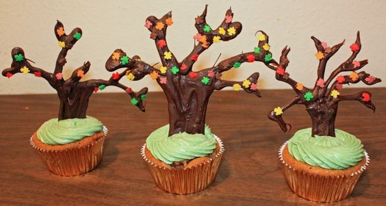 How to make chocolate trees to top your Fall themed cupcakes!