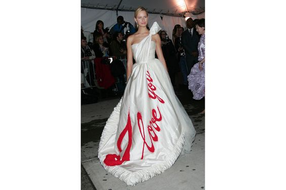 """Messaggi d'amore"" per Karolina Kurkova in Viktor nel 2005  Credits: Photo by GettyImages"