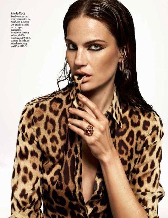 Alique - ( Vogue Spanje dec 2013 ) - Fotoserie 5