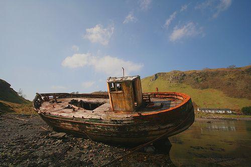 Kerrera old fishing boat wreck