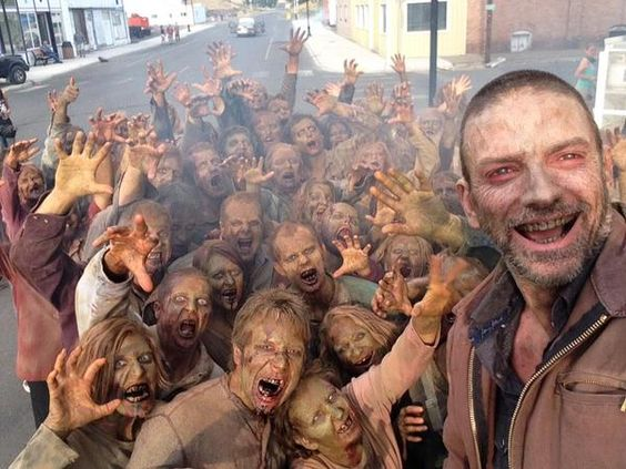 Keith Allen selfie on the set of Z Nation episode 8. He makes such a handsome zombie.