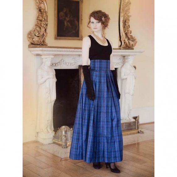 Evening skirt in softly gathered 100% pure silk tartan