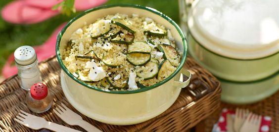 Zucchini-Bulgur-Salat mit Schafskäse