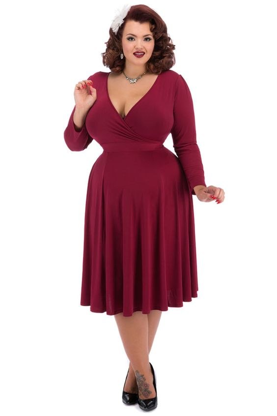 Our most popular Lady Voluptuous Dress of 2015 has now been brought to Lady Vintage in collection...