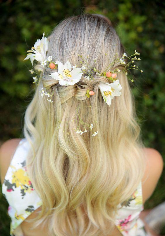 Penteados com flores: