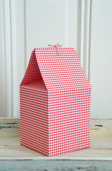 rot karierte Geschenkverpackung