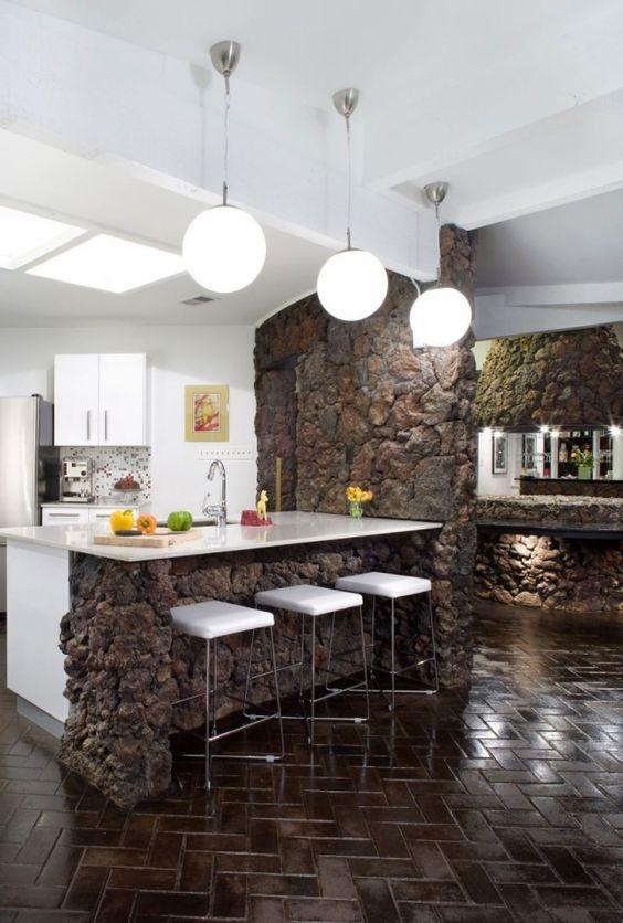 kontraste materialien-farben küchenlösung-modern naturstein weiß-kunststoff