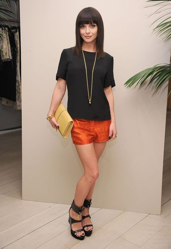 Love the orange shorts!  Would so wear this - if I looked like Christina RIcci!