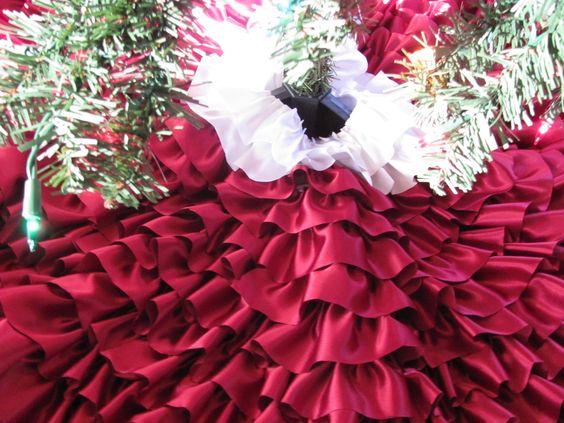 DIY Ruffle Christmas Tree Skirt