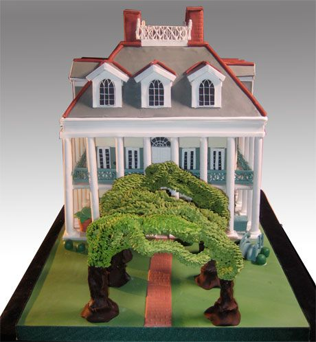 Louisiana Lovers - Just found this Oak Alley Plantation wedding cake made by CharmCityCakesWest.com - Adorable and such attention to detail!