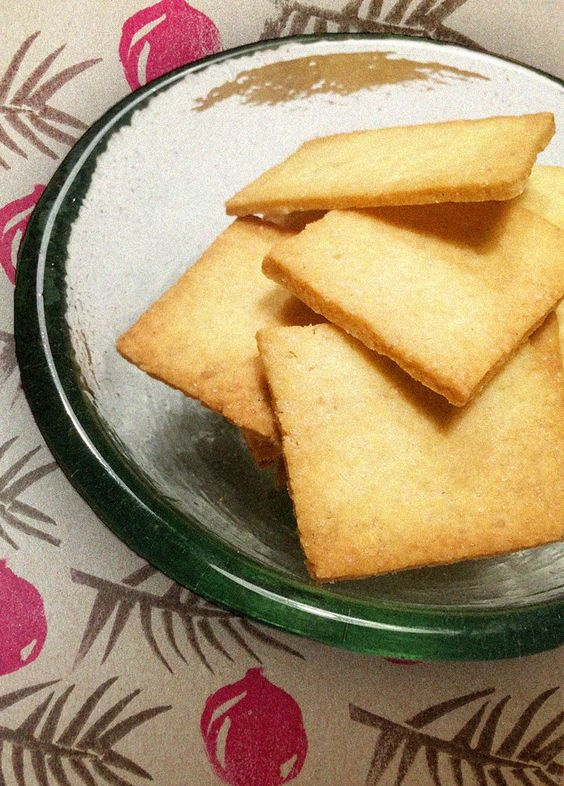 I love to mix diverse flavours, especially sweet and salty. Thesedelicious cookies are a great example of such combination. Be careful, because if you makethem once, you will surely get addicted!…