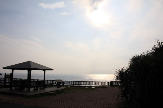 藍天、海洋、白沙、夕陽… www.sbbay.com.tw