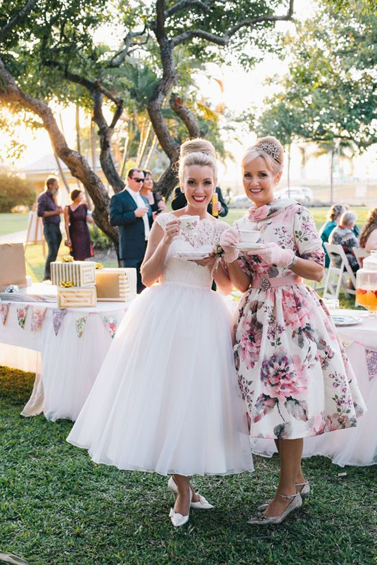 Country Weddings- this is exactly how I WAS picturing the wedding, but we've changed the venue & now I'm revamping! Still so much love for sweet country weddings!