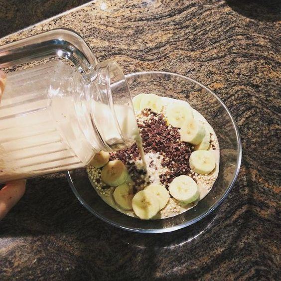 Das Gefühl, wenn die #cashewmilk ganz zärtlich auf das #müsli tröpfelt... #lieblingsmoment , #stärkung nach #fitohnegeräte und #runningfuel für später #whatveganseat #veganforfit #veganfoodporn  Yummery - best recipes. Follow Us! #veganfoodporn