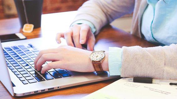 """<a href=http://www.ludosln.net/21-regles-a-suivre-pour-bien-communiquer-sur-les-reseaux-sociaux/ class=""""colorbox"""">[Infographie en] 21 règles à suivre pour bien communiquer sur les réseaux sociaux</a>"""
