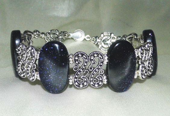 Königliches Armband aus Blaufluss - Platen und Tibetsilber http://de.dawanda.com/product/76536771-Armband-Rajani-Blaufluss-Jugendstil---Art: