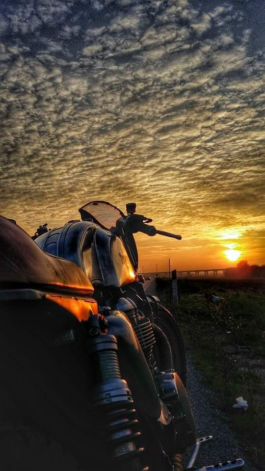 #caferacer at sunset discover #motomood: