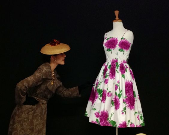 Photo shoot with a Horrockses cotton dress from the early 1960s