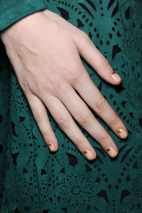 Gold-dipped French manicure: