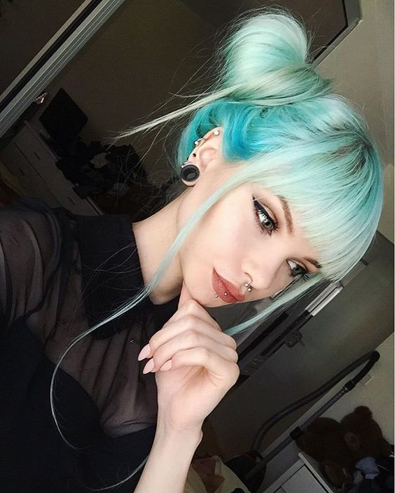 WEBSTA @ annieolivia_ - I'm sorry guys I honestly can't remember what lipstick I'm wearing most of the time  #bluehair #pastelhair