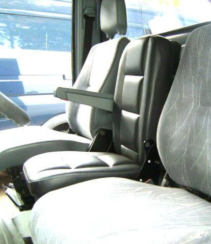 06 Sprinter 3rd Man Seat Jpg 414 215 479 Sprinter Van