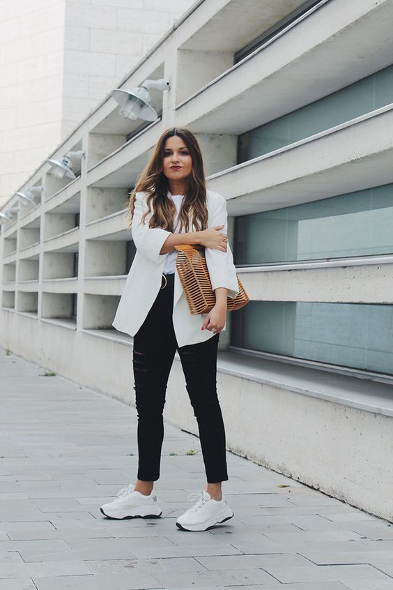 Spring #look wearing white blazer, black ripped jeans, sneakers and wooden baf #style #outfit #fashionbloggers