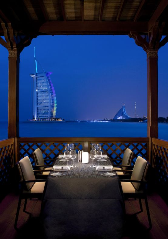 Madinat jumeirah dubai restaurants pierchic seafood for Best romantic hotels in dubai