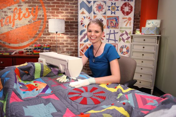 Learn how to finish your Block of the Month quilt tops with YouTube quilting star Leah Day! Click the image or: http://www.craftsy.com/ext/20121119_ClassPin4